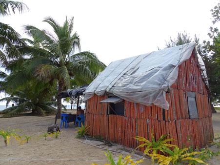 Tiana's Resort en Uoleva Island. Alojamiento económico para mochileros.
