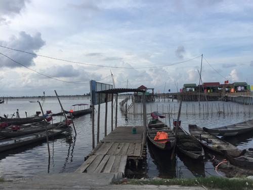Bares flotantes en Hue