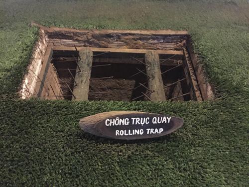 Visita a los túneles Cu Chi de la IIGM en Vietnam