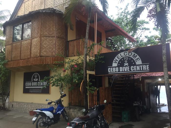 Bucear en Moalboal, Filipinas
