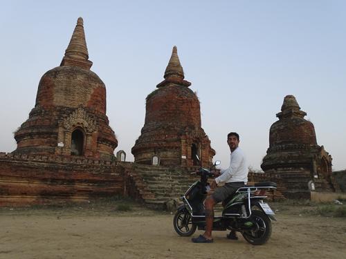 alquiler de moto en Bagan