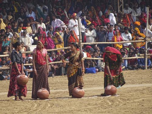 Juegos en la Camel Fair en Pushkar