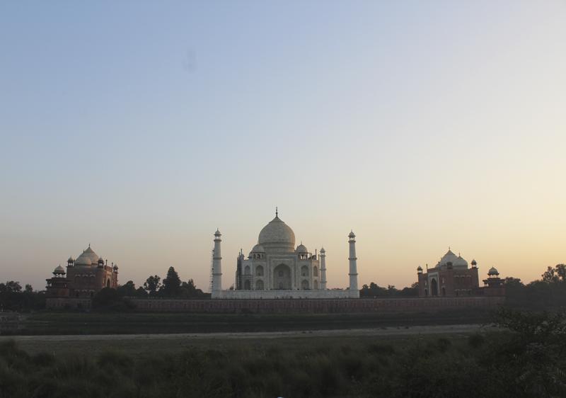 atardecer con vistas al Taj Mahal