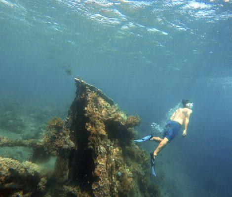 Barco japonés hundido en Amed