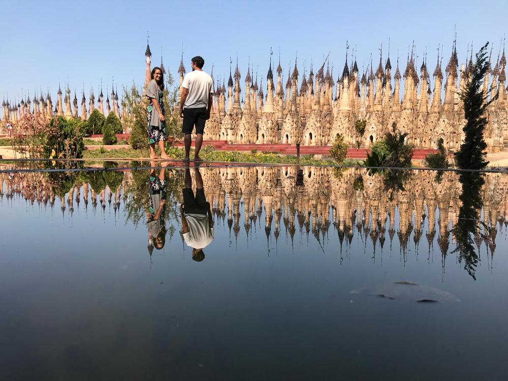 Kakku, famosa foto del reflejo en Myanmar