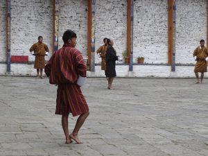 Traje tradicional masculino en Bután
