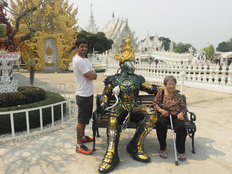 Exterior templo blanco, Tailandia